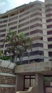 Apartamento En Alquiler En Parroquia Caraballeda, Los Corales, Venezuela, VE RAH: 17-8787