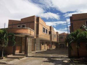Townhouse En Venta En Municipio Naguanagua, Casco Central, Venezuela, VE RAH: 17-8789