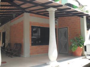 Casa En Venta En Maracay, El Limon, Venezuela, VE RAH: 17-8799