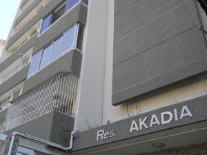 Apartamento En Venta En Caracas, San Bernardino, Venezuela, VE RAH: 17-9014