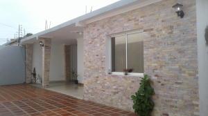 Casa En Venta En Maracaibo, Raul Leoni, Venezuela, VE RAH: 17-8827