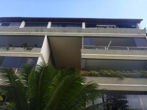 Apartamento En Venta En Caracas, Colinas De Bello Monte, Venezuela, VE RAH: 17-9025