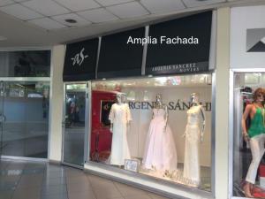 Local Comercial En Alquiler En Maracay, Base Aragua, Venezuela, VE RAH: 17-8832