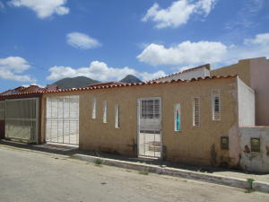Casa En Venta En Margarita, San Antonio, Venezuela, VE RAH: 17-8883