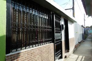 Casa En Venta En Cagua, Prados De La Encrucijada, Venezuela, VE RAH: 17-8912