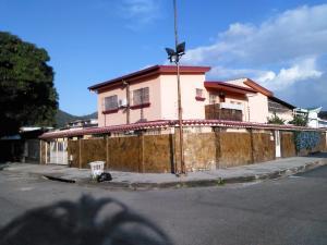 Casa En Ventaen Valencia, Trigal Norte, Venezuela, VE RAH: 17-8914