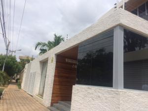 Apartamento En Venta En Maracaibo, Virginia, Venezuela, VE RAH: 17-9269
