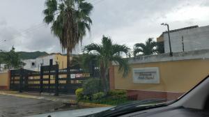 Townhouse En Venta En Municipio Naguanagua, Tazajal, Venezuela, VE RAH: 17-8985