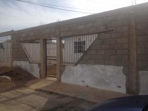Casa En Venta En Punto Fijo, Puerta Maraven, Venezuela, VE RAH: 17-8949