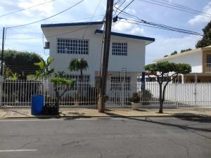 Casa En Venta En Maracaibo, Avenida Delicias Norte, Venezuela, VE RAH: 17-9002