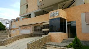 Apartamento En Venta En Valencia, La Trigaleña, Venezuela, VE RAH: 17-8973