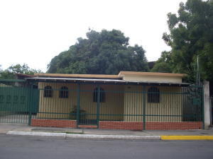 Casa En Venta En Barquisimeto, Parroquia Concepcion, Venezuela, VE RAH: 17-9035