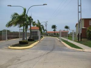 Apartamento En Venta En Higuerote, Higuerote, Venezuela, VE RAH: 17-9000