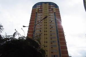 Apartamento En Venta En Valencia, Los Mangos, Venezuela, VE RAH: 17-8996