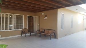 Casa En Venta En Coro, Centro, Venezuela, VE RAH: 17-8998