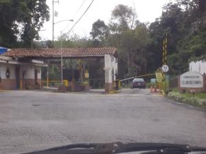 Terreno En Venta En San Antonio De Los Altos, Club De Campo, Venezuela, VE RAH: 17-9004