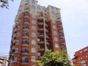 Apartamento En Venta En Maracay, La Arboleda, Venezuela, VE RAH: 17-9015