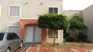 Casa En Venta En Maracaibo, Via La Concepcion, Venezuela, VE RAH: 17-9173
