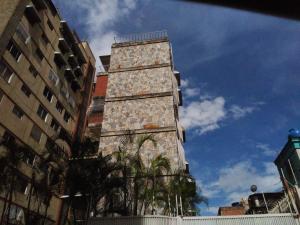 Apartamento En Venta En Caracas, Las Palmas, Venezuela, VE RAH: 17-9058
