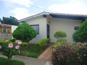 Casa En Venta En Yaritagua, Municipio Peña, Venezuela, VE RAH: 17-9068