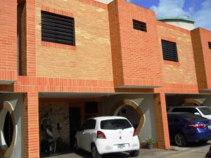 Townhouse En Venta En Municipio Naguanagua, Manantial, Venezuela, VE RAH: 17-9076