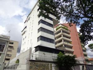 Apartamento En Venta En Caracas, Las Acacias, Venezuela, VE RAH: 17-9563
