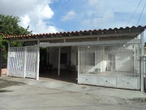 Casa En Venta En Cabudare, El Recreo, Venezuela, VE RAH: 17-9083