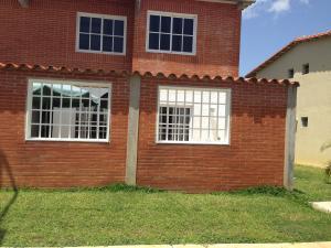 Apartamento En Venta En Higuerote, Conjunto Residencial Costa Grande Ii, Venezuela, VE RAH: 17-9085