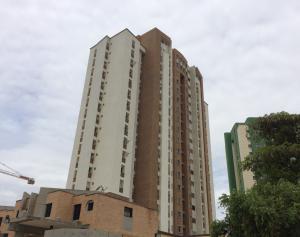 Apartamento En Venta En Valencia, Los Mangos, Venezuela, VE RAH: 17-9103