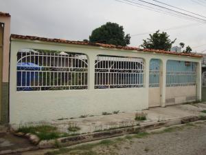 Casa En Venta En Mariara, Las Brisas, Venezuela, VE RAH: 17-9111