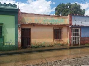 Casa En Venta En Valencia, La Candelaria, Venezuela, VE RAH: 17-9118