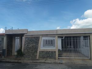 Casa En Ventaen Guacara, Ciudad Alianza, Venezuela, VE RAH: 17-9122