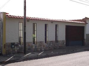 Casa En Venta En San Joaquin, La Pradera, Venezuela, VE RAH: 17-9146