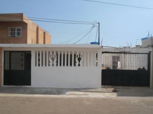 Casa En Venta En Maracaibo, San Jacinto, Venezuela, VE RAH: 17-9152