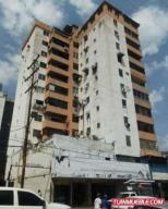 Apartamento En Venta En Valencia, Parroquia San Jose, Venezuela, VE RAH: 17-9158