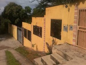 Casa En Venta En Cabudare, Parroquia Agua Viva, Venezuela, VE RAH: 17-9165