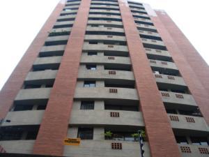 Apartamento En Venta En Valencia, El Bosque, Venezuela, VE RAH: 17-9218