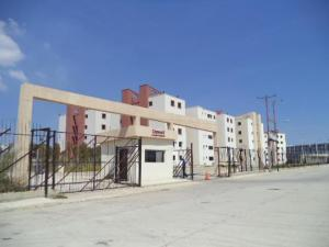 Apartamento En Venta En Municipio Los Guayos, Paraparal, Venezuela, VE RAH: 17-9222