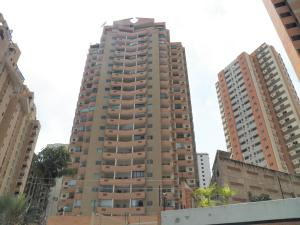 Apartamento En Venta En Valencia, Las Chimeneas, Venezuela, VE RAH: 17-9252