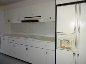 Apartamento En Venta En Caracas - Valle Arriba Código FLEX: 17-9275 No.6