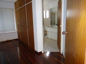 Apartamento En Venta En Caracas - Valle Arriba Código FLEX: 17-9275 No.17