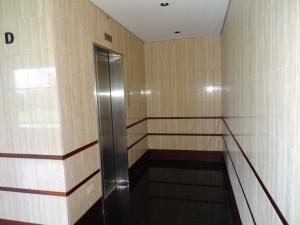 Apartamento En Venta En Caracas - Valle Arriba Código FLEX: 17-9275 No.3