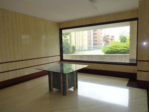 Apartamento En Venta En Caracas - Valle Arriba Código FLEX: 17-9275 No.1