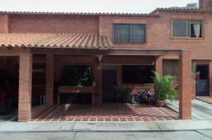 Casa En Venta En Barquisimeto, Las Trinitarias, Venezuela, VE RAH: 17-9292