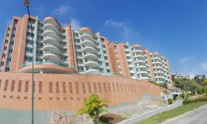Apartamento En Venta En Caracas, Mirador De Los Campitos I, Venezuela, VE RAH: 17-9628