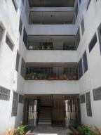 Apartamento En Venta En Maracaibo, Gallo Verde, Venezuela, VE RAH: 17-9486