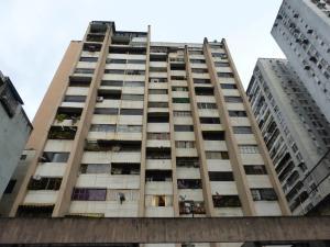 Apartamento En Venta En Caracas, Parroquia La Candelaria, Venezuela, VE RAH: 17-9324