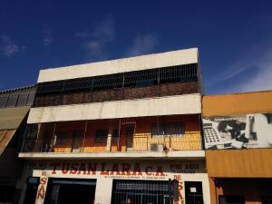 Apartamento En Venta En Barquisimeto, Parroquia Catedral, Venezuela, VE RAH: 17-9349