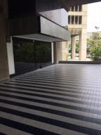 En Alquiler En Caracas - Las Mercedes Código FLEX: 17-9386 No.1