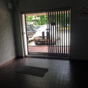 En Alquiler En Caracas - Las Mercedes Código FLEX: 17-9386 No.6
